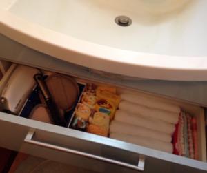 洗面台の下の引き出し