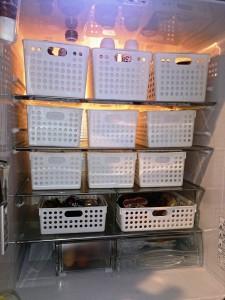 冷蔵庫内コンテナ収納