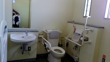 がめさん公園の多目的トイレ