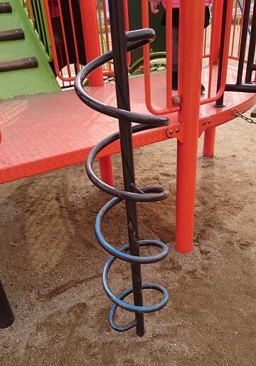 龍峯やまびこ公園の遊具