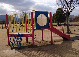鏡ヶ池公園のすべり台