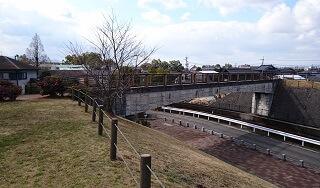 鏡ヶ池公園の橋