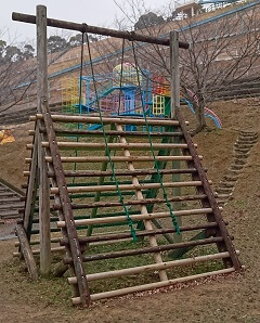 岡岳公園の三角お山