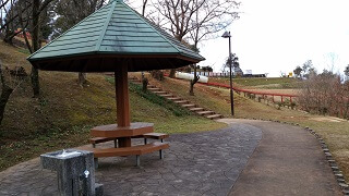 竜北公園の休憩所